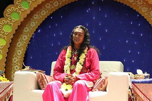 Sri Swami Vishwananda during darshan in Latvia