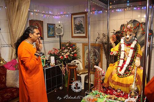 Sri Swami Vishwananda during Narasimha Chaturthi