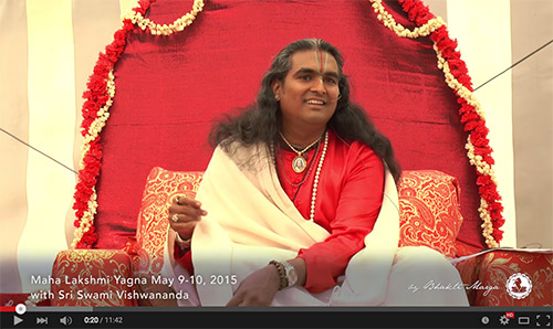 Sri Swami Vishwananda during the Mahalakshmi Yagna