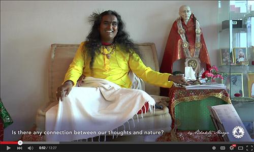 Sri Swami Vishwananda giving a satsang